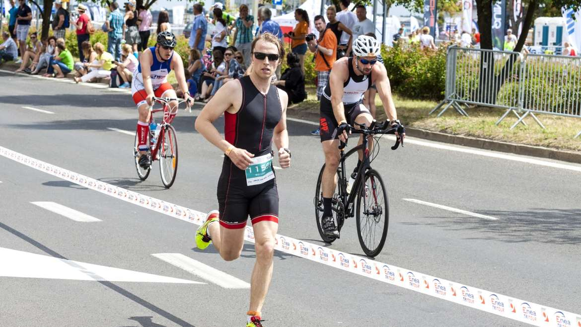 The benefits of sports massage during triathlon training