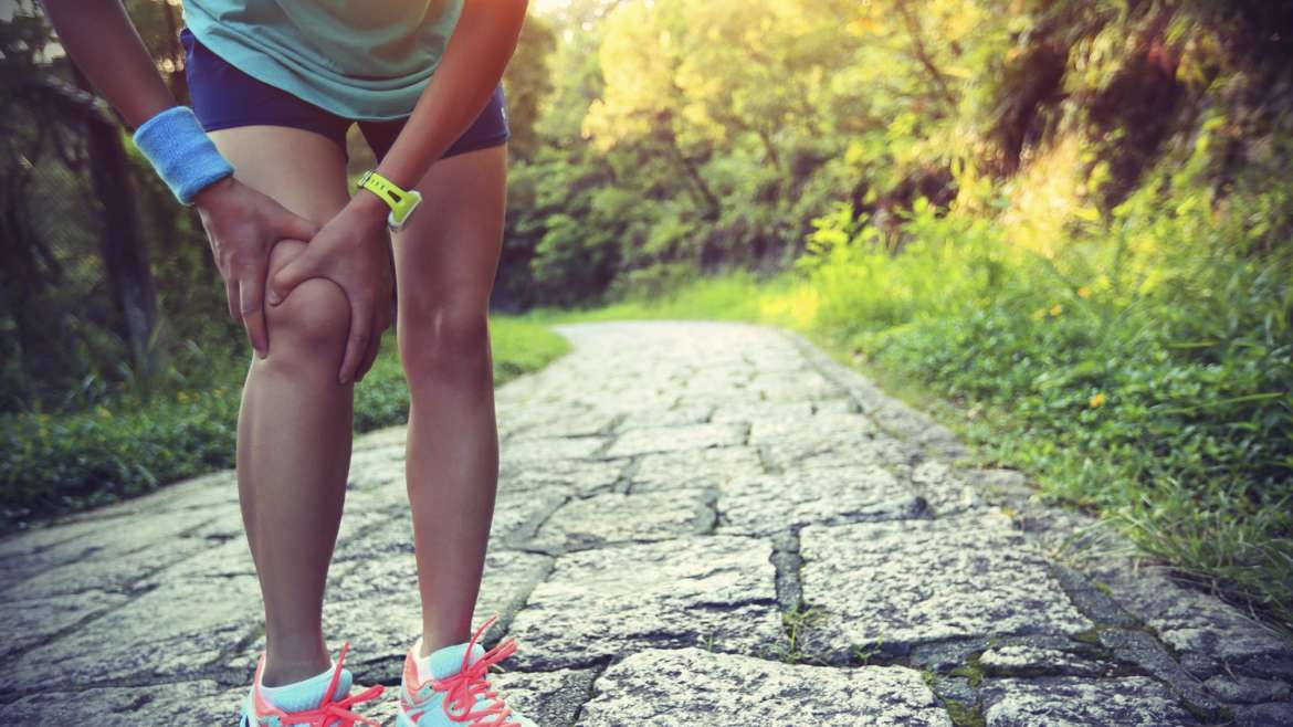 Signs of a knee injury and how to prevent it